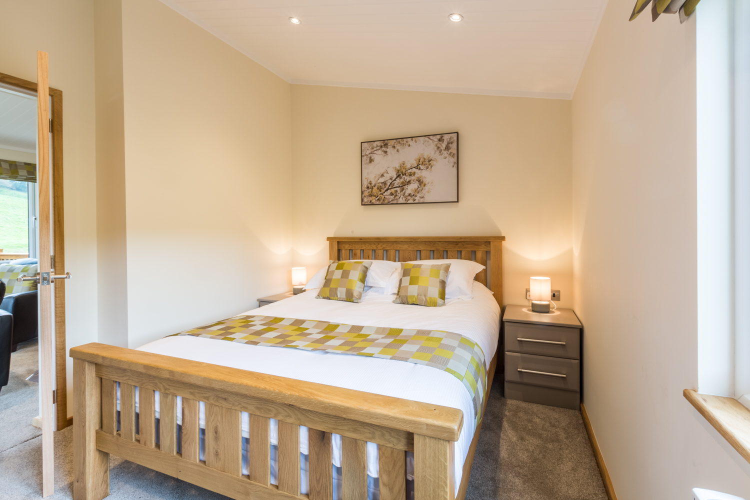 The Hedgerow - Complete with Private Hot Tub | Littlemere ...